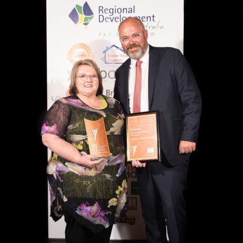 People's Choice - Service with a Smile (Narelle Meatheringham)